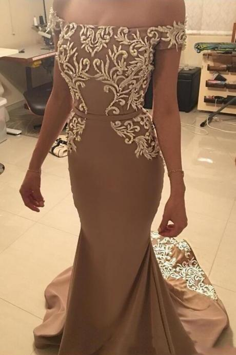 Elegant Off the Shoulder Satin Mermaid Prom Dresses Boat Neck Prom Gowns Appliques Party Dress