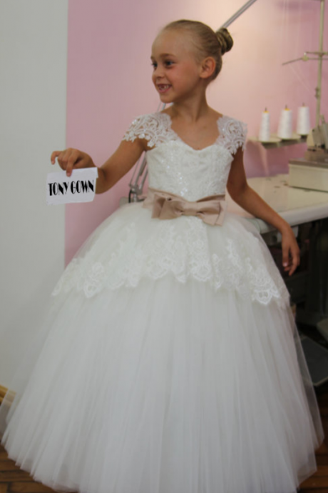Flower Girl Dress, Beautiful White Lace Appliques Bow Belt Tulle Flower Girl Dress Pageant Dresses For Girls Glitz, Girl Wedding Party Gowns, Girls First Holy Communion Dress, Girls Formal Party Prom Gowns, Kids Birthday Party Gowns