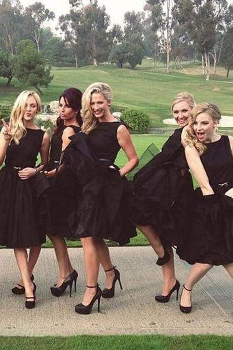 Popular Black Sleeveless Knee Length Bridesmaid Dresses, Maid of Honor Plus Size, Short Wedding Guest Party Dress, Bridesmaid Gowns