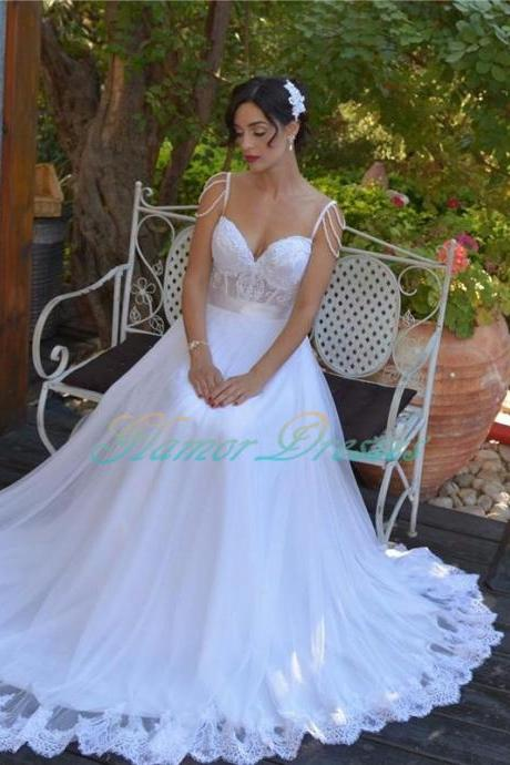 2017 Vintage Spaghetti Strap Ball Gown Wedding Dress Sweetheart Tulle Wedding Dresses Appliques Beading A Line Wedding Dresses White Bride Gown