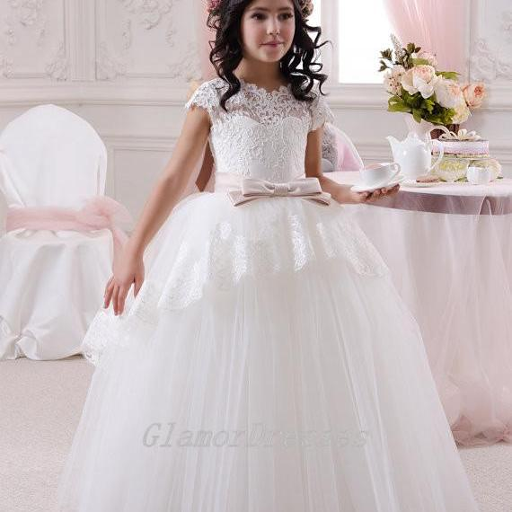 2016 New Hot Sale Ball Gown Flower Girl Dresses Girls Pageant Dress Ball Gown Short Sleeves Custom Made Girls Christmas Dresses with Pink Sash Lace Up Back Girls Wedding Party Dresses Flower Girls Dress with Beading Sash Tulle Lace Long Flower Girl Dresses 2016 Girls First Communion Dresses vestido de daminha Girls Christmas Dress Girls Birthday Dress Wedding Party Dresses