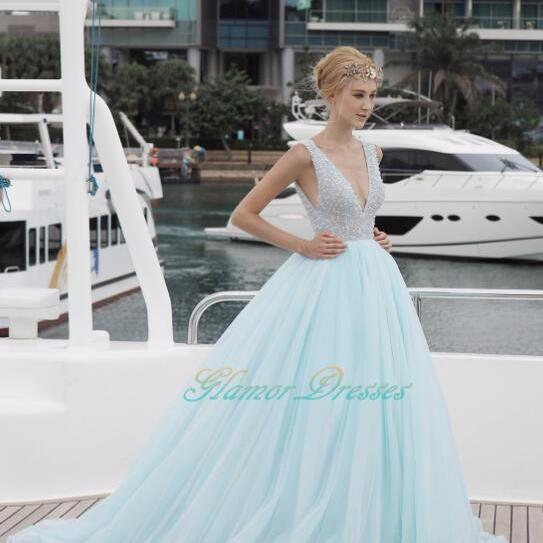 2017 New Design Sexy V Neck Prom Dresses Beading Tulle Sweep Train Party Gowns Formal Dress for graduation Open Back Shinning Prom Evening Dresses Long Custom Made
